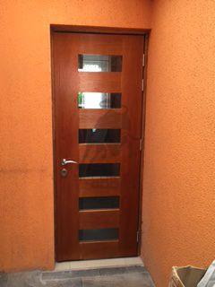 puerta diseño con vidrio y mampara