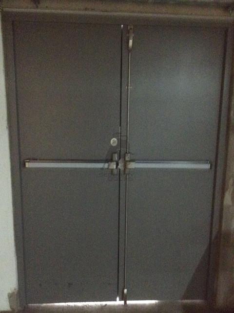 Diseño Puerta industrial